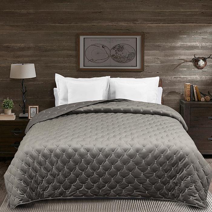 Velvet Embroidered Quilt & Bedspreads