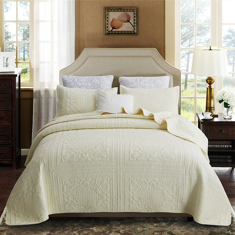 Polyester Embroidered Quilted Bedspreads Quilts Microfiber Fabric