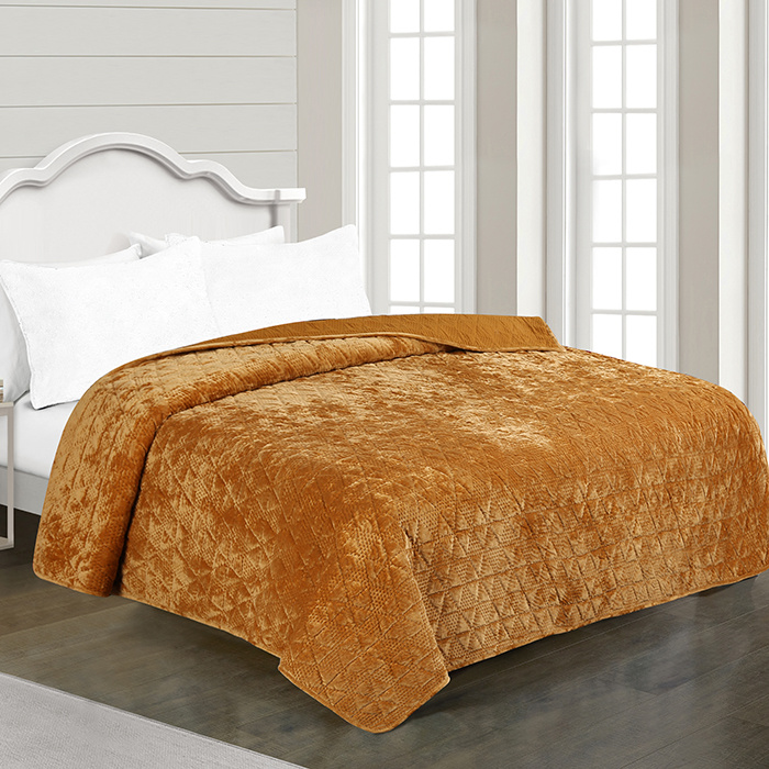 Luxurious Velvet Ultrasonic Embossed Quilt Bedspread
